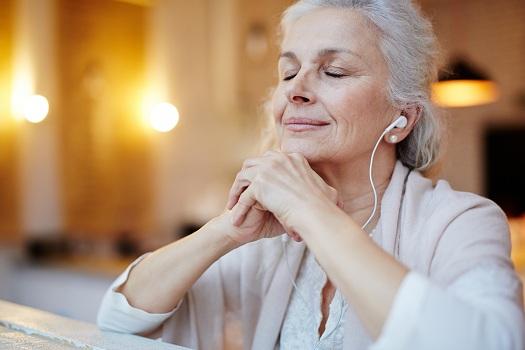 Âm nhạc có thể giúp người già và sức khỏe tâm thần của họ như thế nào