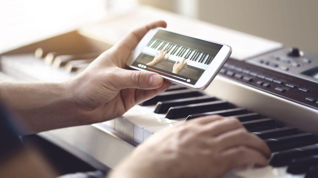 5 triệu có mua được đàn piano để học nhạc?