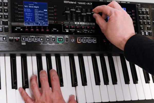 Chỉnh âm thanh trên đàn organ như thế nào? 2